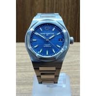 PRE-OWNED Girard-Perregaux Laureato 42mm Blue och Steel 81010-11-431-11A