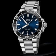 Oris Aquis Date 43.5 mm Blue & Bracelet
