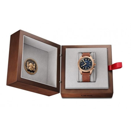 Oris - Carl Brashear Bronze Chronograph Limited Edition 2000 pcs. Special luxury wooden presentation box. 771 7744 3185-Set LS