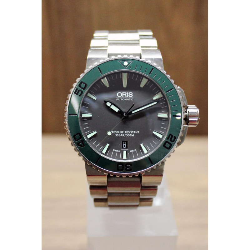 PRE-OWNED Oris Aquis Date 43.5mm Grey & Green, Steel Bracelet BEG0173376534157-078